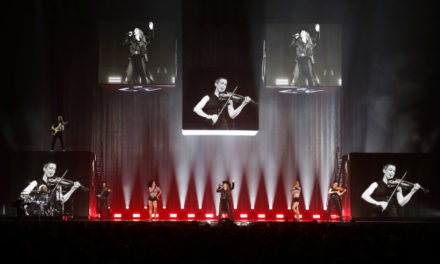 """Shania Now"" world tour features Claypaky fixtures"