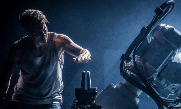 MAN MEETS MACHINE IN URBAN DANCE